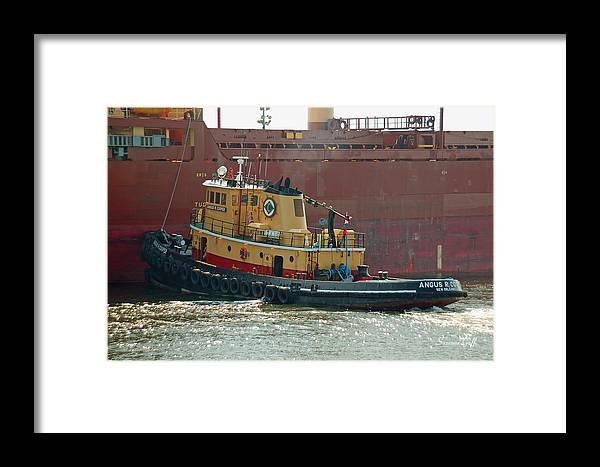 Tug Framed Print featuring the photograph Savannah River Tug by Suzanne Gaff