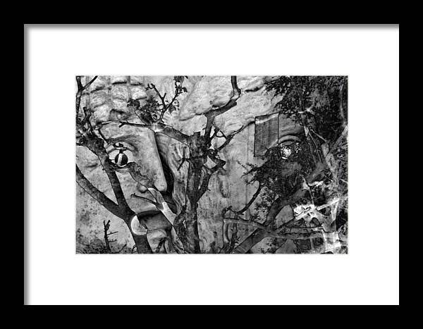 Digital Art Framed Print featuring the photograph Screaming Statue by Munir Alawi
