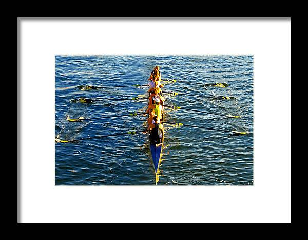Females Framed Print featuring the photograph Sculling Women by David Lee Thompson