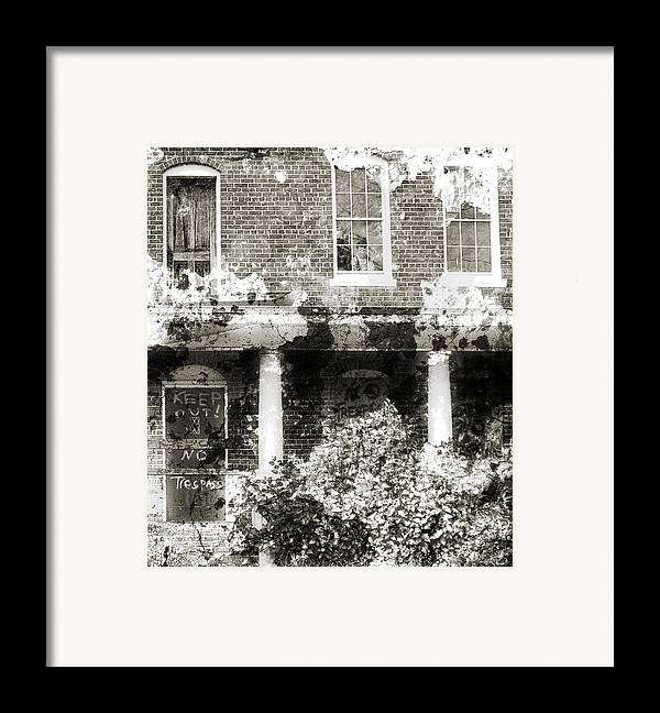 Haunting Framed Print featuring the photograph Solitary by Richard Rizzo