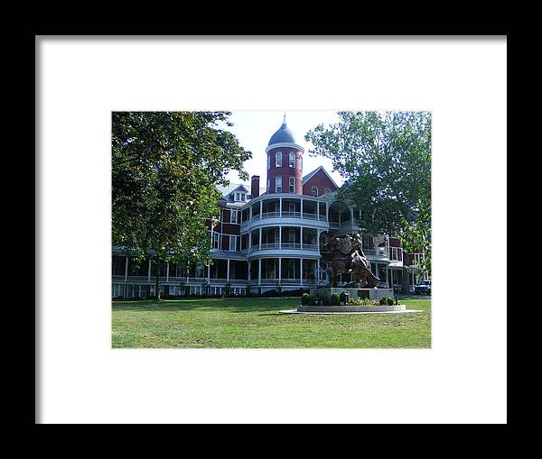 Buena Vista Framed Print featuring the photograph Southern Virgiinia College by Eddie Armstrong