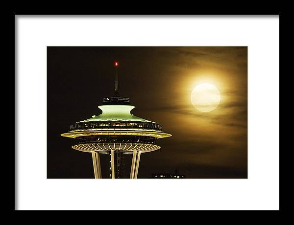 Seattle Framed Print featuring the photograph Space Needle Full Moon A150 by Yoshiki Nakamura