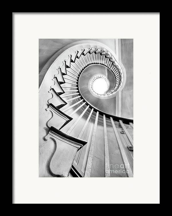Spiral Staircase Framed Print featuring the photograph Spiral Staircase Lowndes Grove by Dustin K Ryan