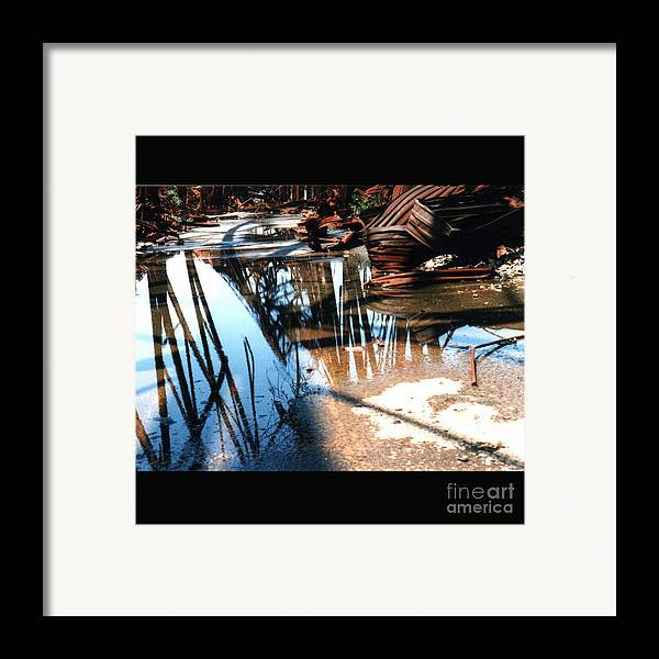 Cityscape Framed Print featuring the photograph Steel River by Ze DaLuz