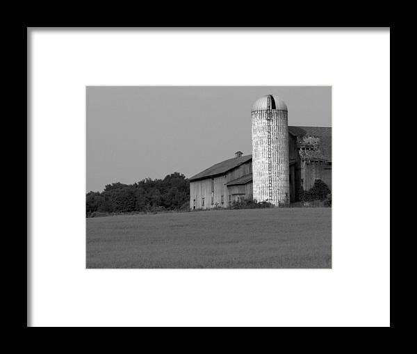 Barn Framed Print featuring the photograph Still Here by Rhonda Barrett