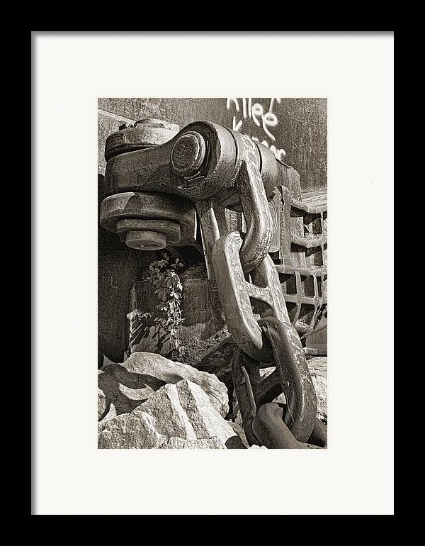 Chain Framed Print featuring the photograph Strength I by Tom Mc Nemar