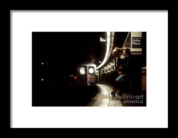 Manhattan Framed Print featuring the photograph Subway Lovers by Stephanie Sdanowich
