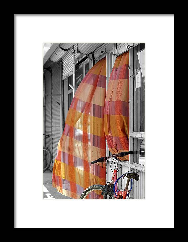 Color Framed Print featuring the photograph Summer Breeze by Don Prioleau