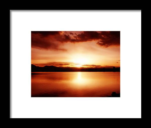 Lake Framed Print featuring the photograph Sunset by Marilyn Hunt