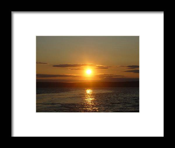 Landscape Framed Print featuring the photograph Sunset On The Horizon 6 by Sharon Stacey