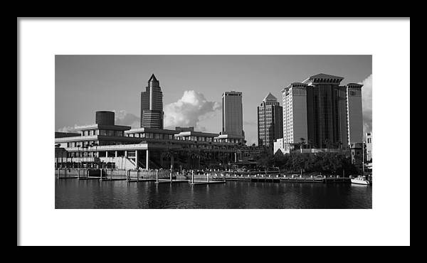 Sky Framed Print featuring the photograph Tampa Southern View by Larry Underwood