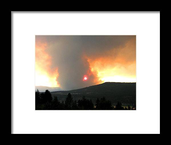 Forest Fire Framed Print featuring the photograph Terrace Mountain Fire 3 by Will Borden