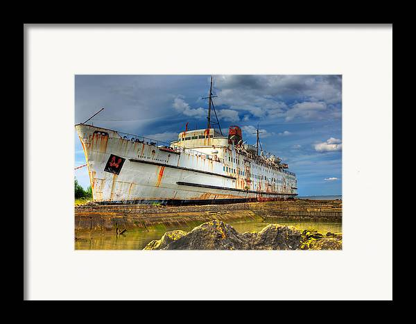 Hdr Framed Print featuring the photograph The Duke by Adrian Evans