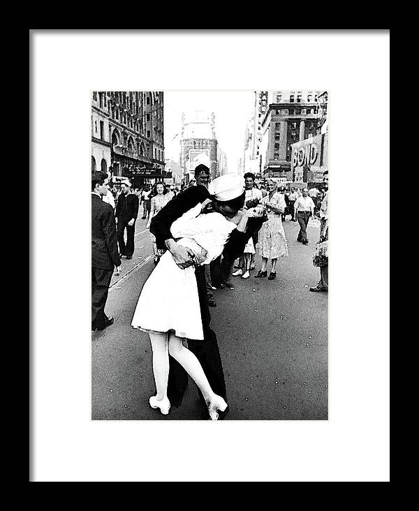 the kiss v j day times square framed print by thomas pollart