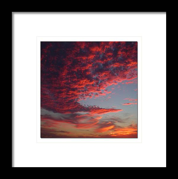Sunset Framed Print featuring the photograph The Master Painter by Linda Murphy