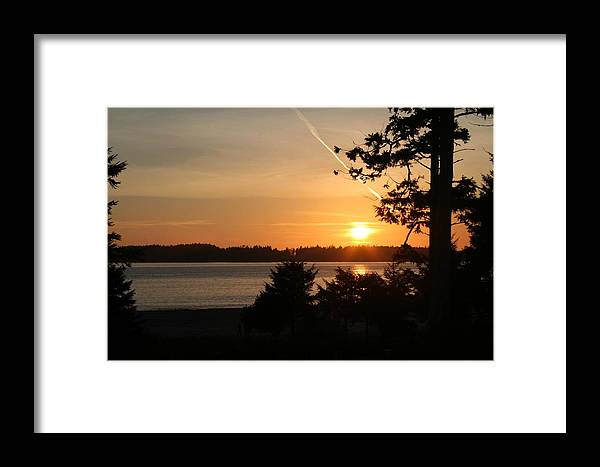 Sunset Framed Print featuring the photograph Tofino Sunset Ss1027 by Mary Gaines