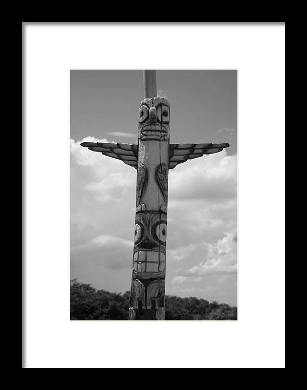 Black And White Framed Print featuring the photograph Totum by Rob Hans