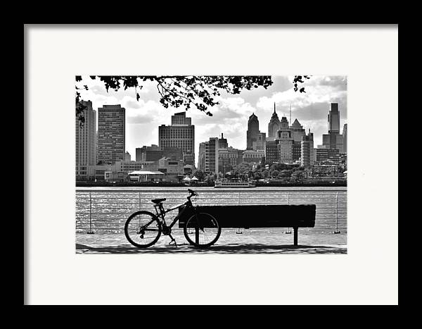 Philadelphia Framed Print featuring the photograph View Of Philadelphia by Andrew Dinh