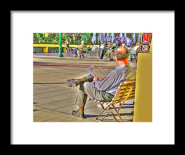 Park Framed Print featuring the photograph Viewing Man by Francisco Colon