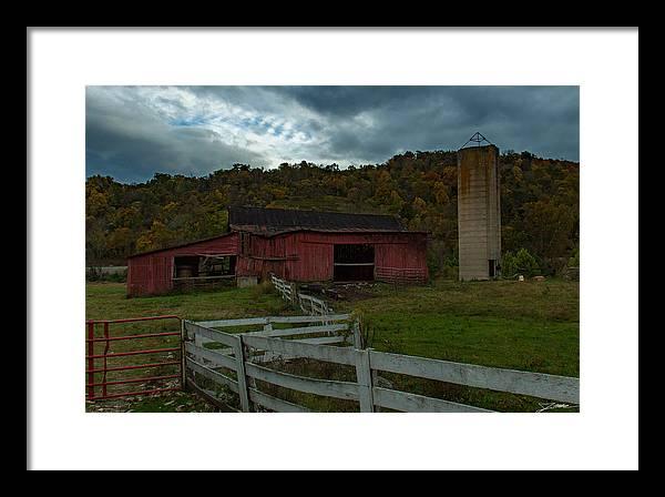 Virginia Framed Print featuring the photograph Virginia Barn by Jim Markham