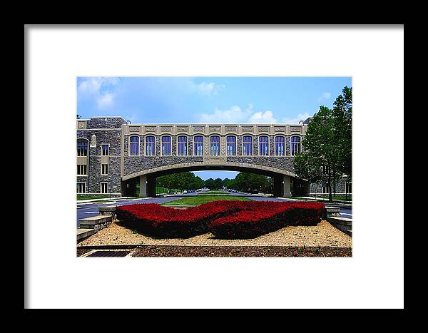 Vt Framed Print featuring the photograph Virginia Tech - Torgersen Bridge by Andrew Webb