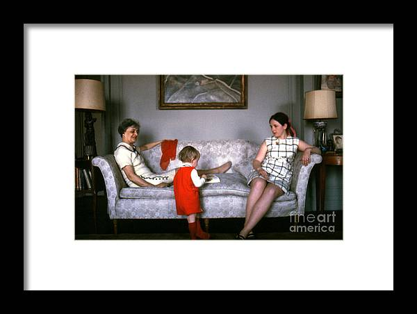 Visit Framed Print featuring the photograph Visiting Mildred by Erik Falkensteen