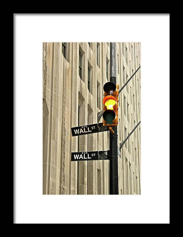 Vertical Framed Print featuring the photograph Wall Street Traffic Light by Oonat