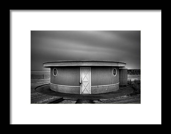 Beach Framed Print featuring the photograph What Goes 'round Comes 'round by Evelina Kremsdorf