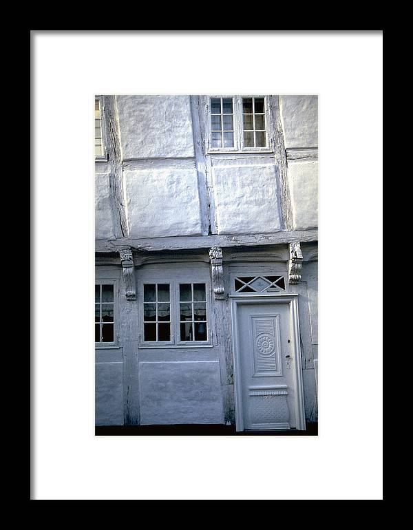 White House Framed Print featuring the photograph White House by Flavia Westerwelle