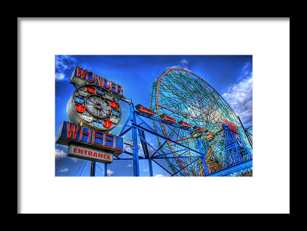 Wonder Wheel Framed Print featuring the photograph Wonder Wheel by Bryan Hochman
