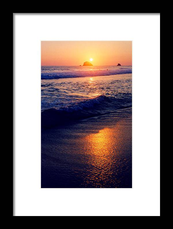 Sunset Framed Print featuring the photograph Zipolite Sunset In January 2 by Lyle Crump
