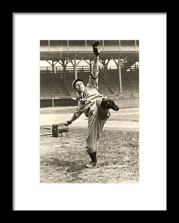 People Framed Print featuring the photograph Chicago Cubs by National Baseball Hall Of Fame Library