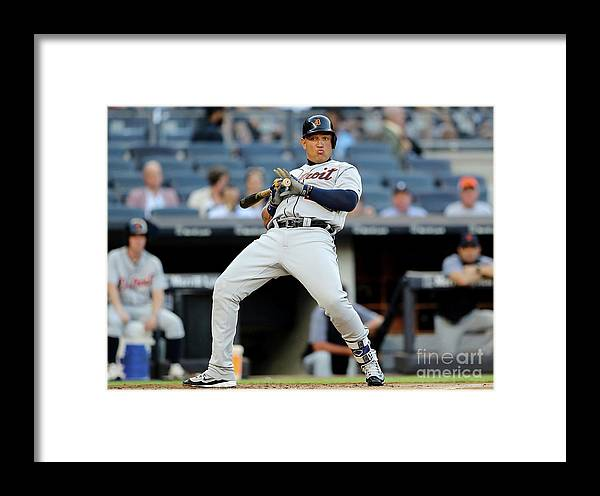 People Framed Print featuring the photograph Detroit Tigers V New York Yankees 1 by Elsa