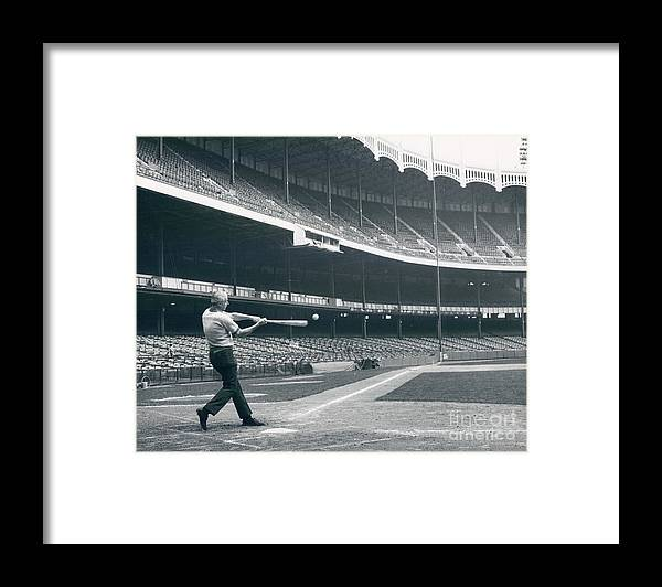 People Framed Print featuring the photograph Joe Dimaggio by Sports Studio Photos