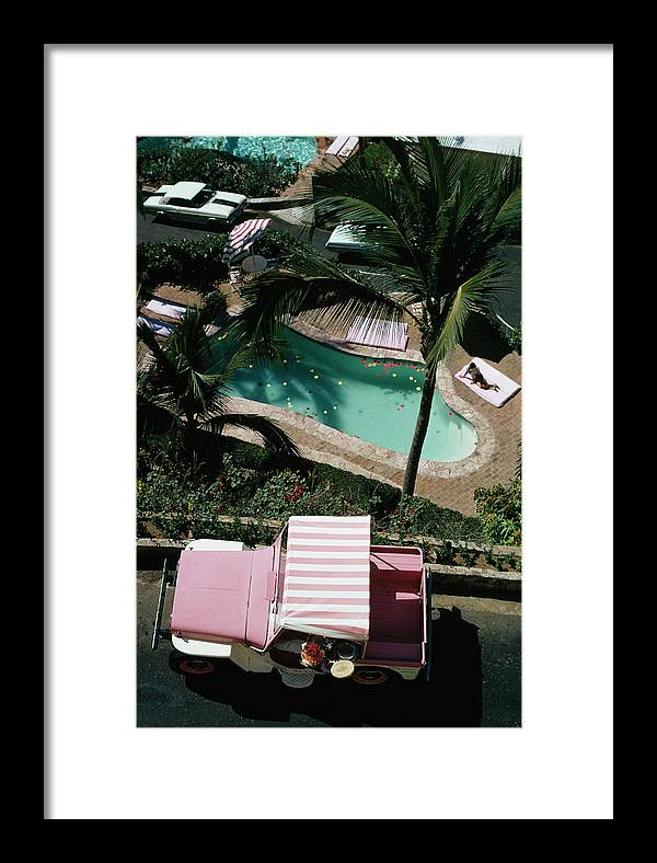People Framed Print featuring the photograph Las Brisas 1 by Slim Aarons
