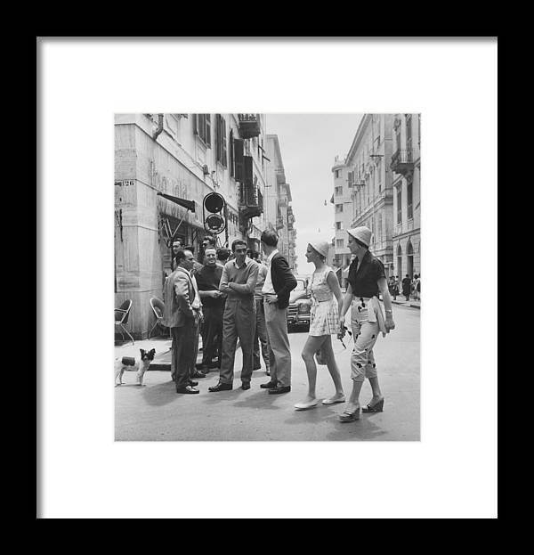Straw Hat Framed Print featuring the photograph Models On Holiday by Bert Hardy