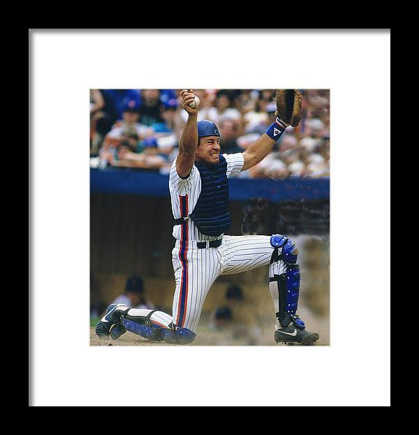 1980-1989 Framed Print featuring the photograph New York Mets 1 by Ronald C. Modra/sports Imagery