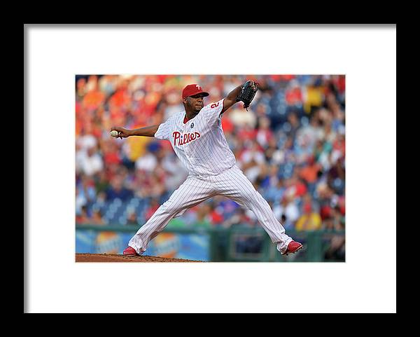Second Inning Framed Print featuring the photograph New York Mets V Philadelphia Phillies by Drew Hallowell
