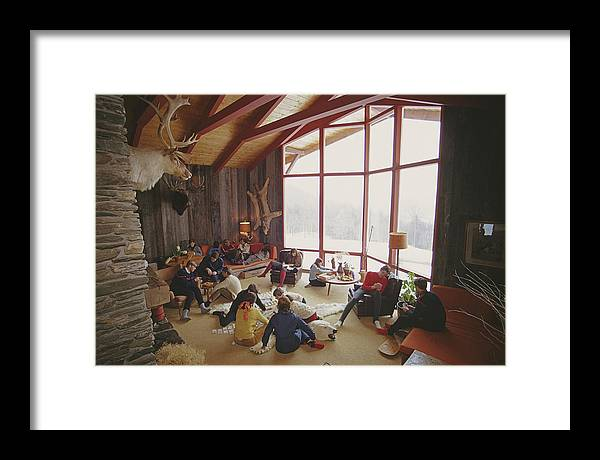 People Framed Print featuring the photograph On The Slopes Of Sugarbush by Slim Aarons