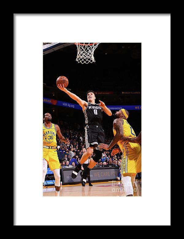 Nba Pro Basketball Framed Print featuring the photograph Sacramento Kings V Golden State Warriors by Noah Graham