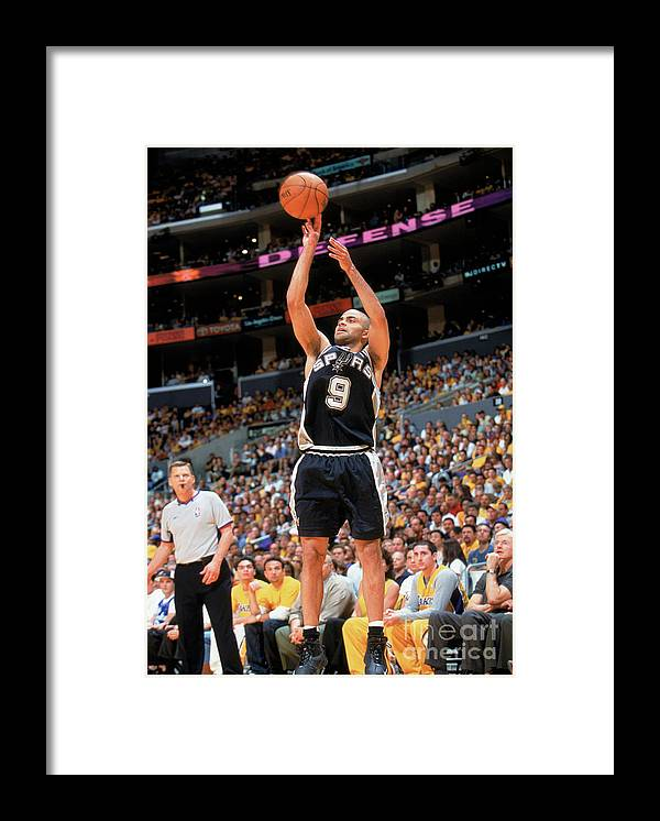 Nba Pro Basketball Framed Print featuring the photograph Spurs V Lakers by Andrew D. Bernstein