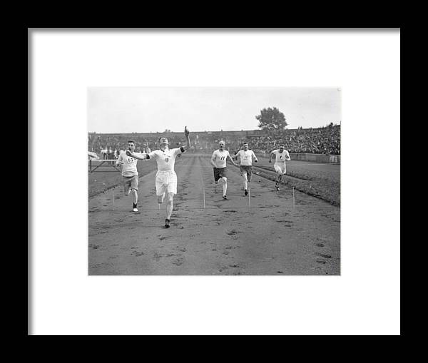 1929 Framed Print featuring the photograph 100 Yards Sprint by Kirby