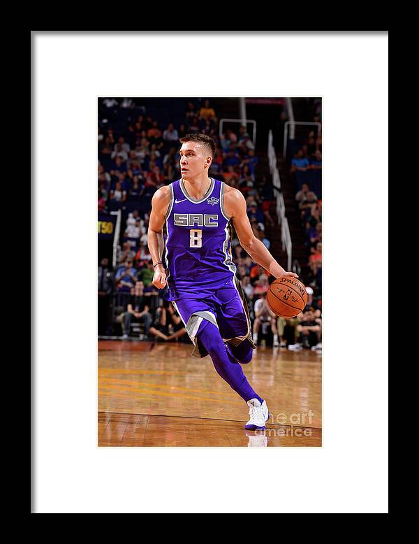 Nba Pro Basketball Framed Print featuring the photograph Sacramento Kings V Phoenix Suns by Barry Gossage