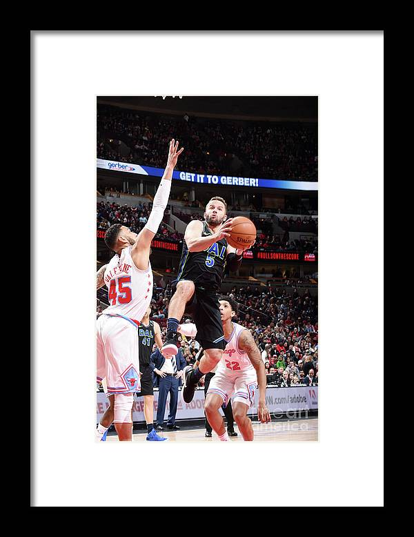 Nba Pro Basketball Framed Print featuring the photograph Dallas Mavericks V Chicago Bulls by Randy Belice