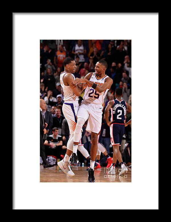 Nba Pro Basketball Framed Print featuring the photograph Los Angeles Clippers V Phoenix Suns by Barry Gossage