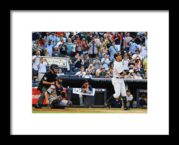 People Framed Print featuring the photograph Detroit Tigers V New York Yankees 4 by Al Bello