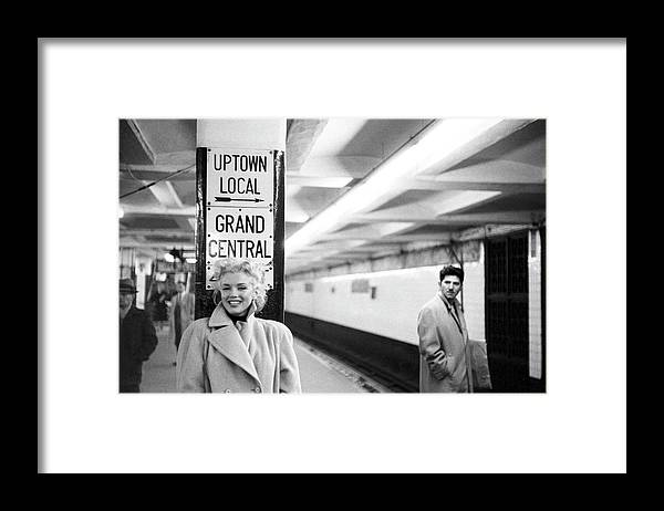 1950-1959 Framed Print featuring the photograph Marilyn In Grand Central Station by Michael Ochs Archives