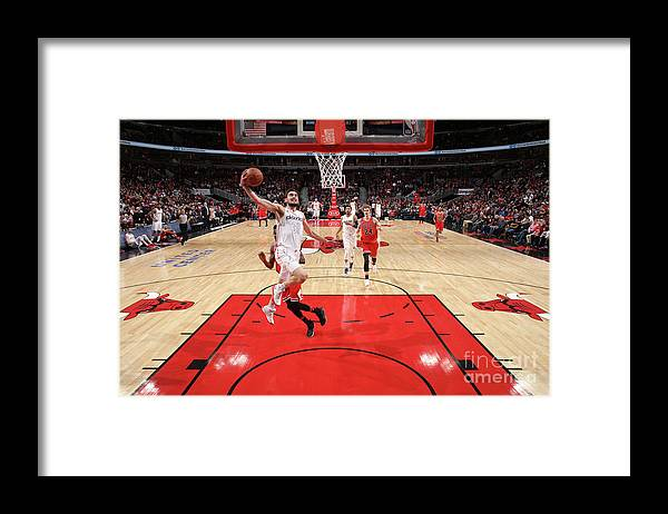 United Center Framed Print featuring the photograph Washington Wizards V Chicago Bulls by Gary Dineen