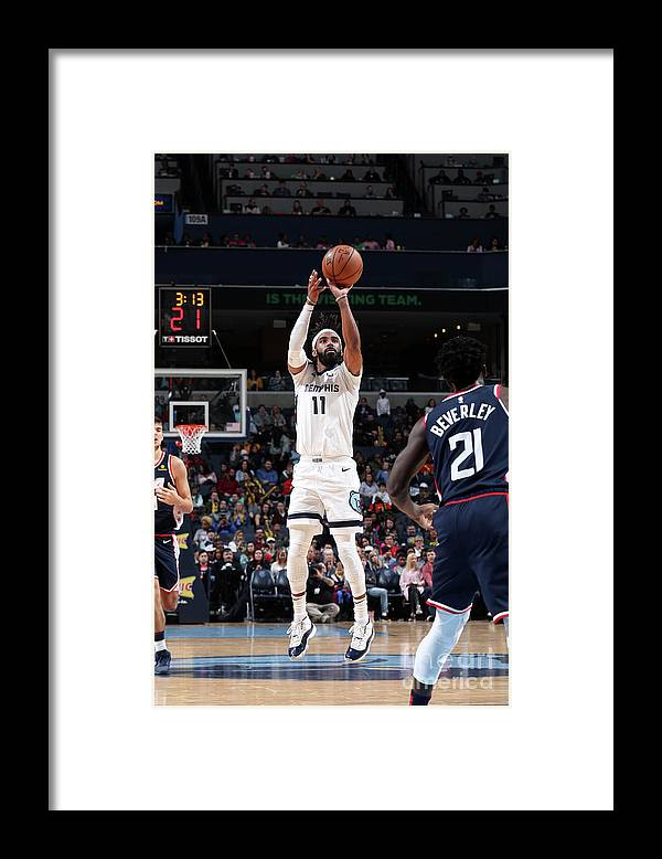 Nba Pro Basketball Framed Print featuring the photograph La Clippers V Memphis Grizzlies by Joe Murphy