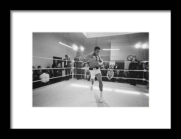 People Framed Print featuring the photograph Ali In Training by R. Mcphedran